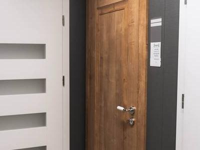 Drzwi 69